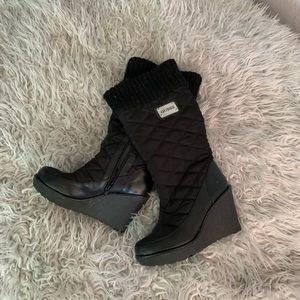 EUC wedge snow boots